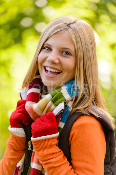 Szczęśliwy dziewczyna uśmiechnięty nastolatek kolorowy Zdjęcia stock © CandyboxPhoto