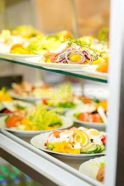 Dienst buffet vers gezonde salade display Stockfoto © CandyboxPhoto