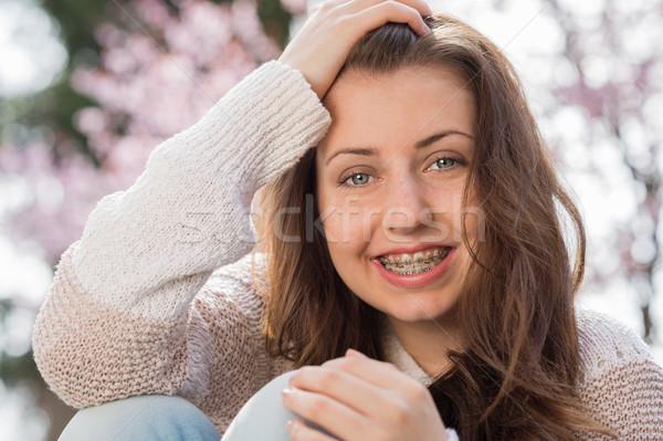 Gelukkig meisje bretels voorjaar portret hand Stockfoto © CandyboxPhoto