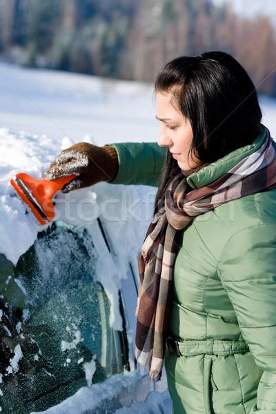 Inverno carro mulher neve pára-brisas gelo Foto stock © CandyboxPhoto