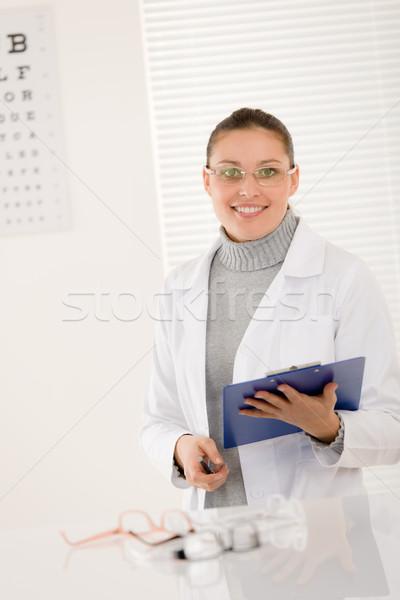 Stock fotó: Optikus · orvos · nő · szemüveg · szem · diagram