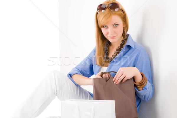 ショッピング 若い女性 紙袋 見 カメラ 女性 ストックフォト © CandyboxPhoto