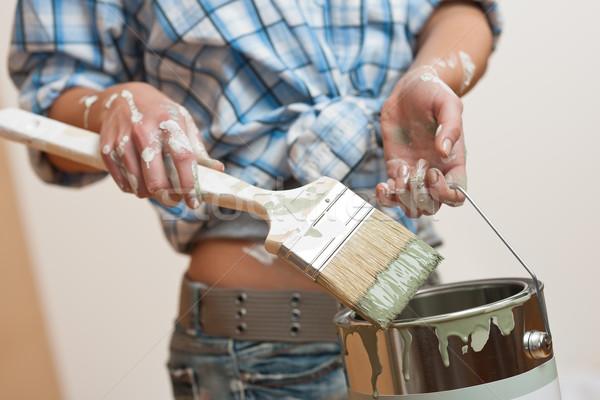Melhoramento da casa mulher paint brush casa Foto stock © CandyboxPhoto