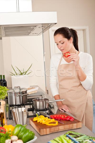 счастливым женщину красный перец современных Сток-фото © CandyboxPhoto