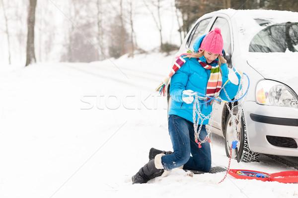 Kadın kış araba lastik zincirleri kar Stok fotoğraf © CandyboxPhoto
