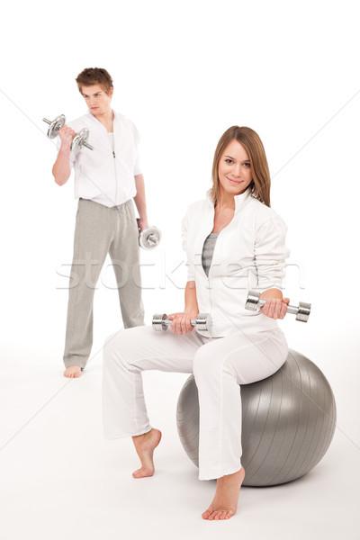 Foto stock: Pesos · fitness · pelota · blanco · jóvenes