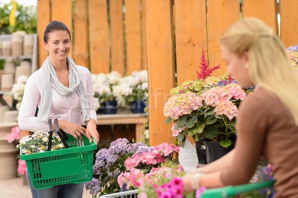 Nő vásárol virágok bevásárlókosár kert központ Stock fotó © CandyboxPhoto