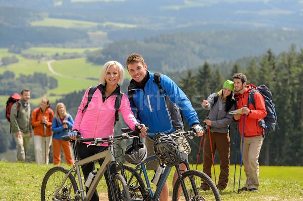 Deportivo ciclista Pareja excursionistas primavera fin de semana Foto stock © CandyboxPhoto