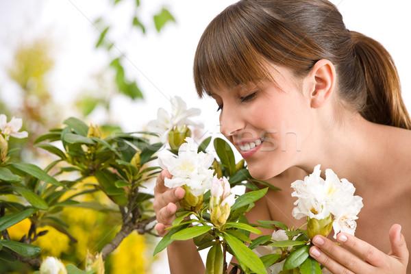 Zdjęcia stock: Portret · kobieta · kwiat · kwiat · biały · wiosną