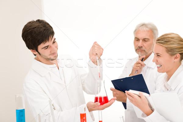 Kémia kísérlet tudósok laboratórium tesztelés influenza Stock fotó © CandyboxPhoto