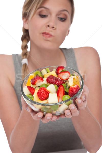 Foto stock: Mulher · salada · de · frutas · branco · foco · tigela