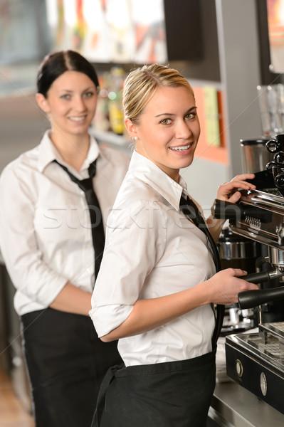 Sonriendo jóvenes café restaurante bar Foto stock © CandyboxPhoto