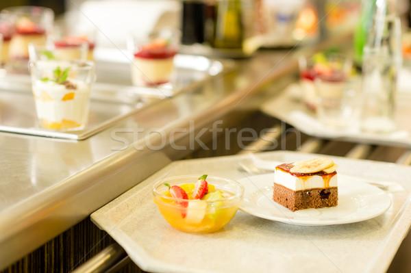 Desserts plateau cafétéria Ouvrir la salade de fruits Photo stock © CandyboxPhoto