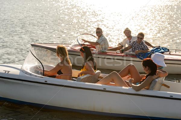 Fiatalok vezetés nyár tó csoport nők Stock fotó © CandyboxPhoto