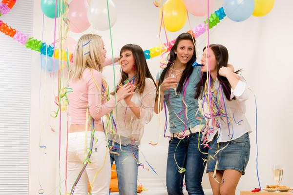 Foto d'archivio: Festa · di · compleanno · celebrazione · quattro · donna · confetti · divertimento