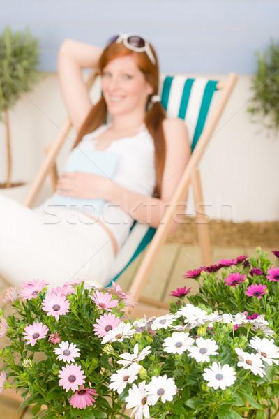 Verão terraço mulher relaxar espreguiçadeira Foto stock © CandyboxPhoto