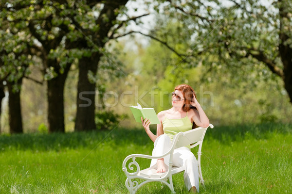Stockfoto: Jonge · vrouw · ontspannen · bloesem · boom · voorjaar