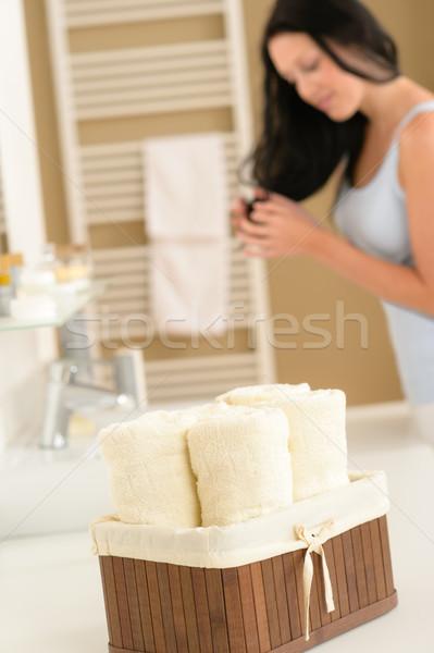 Fürdőszoba törölközők test törődés termékek közelkép Stock fotó © CandyboxPhoto