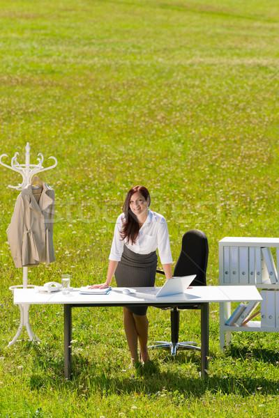 Stock fotó: üzletasszony · napos · legelő · természet · iroda · mosoly