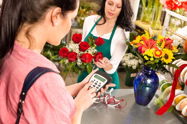 Nő vásárló fizet virágok bolt hitelkártya Stock fotó © CandyboxPhoto