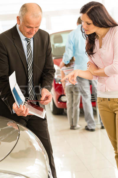 Auto Verkäufer zeigen Schatten Karten Kunden Stock foto © CandyboxPhoto