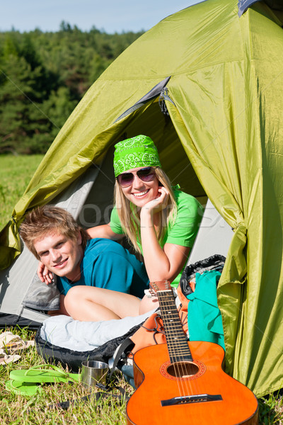 Camping paar binnenkant tent zomer platteland Stockfoto © CandyboxPhoto