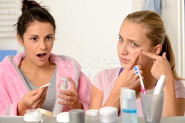 Jonge tieners acne probleem badkamer tiener Stockfoto © CandyboxPhoto