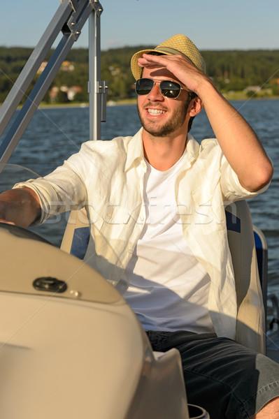 Stock fotó: Fiatalember · napos · férfi · napszemüveg · szalmakalap · csónak
