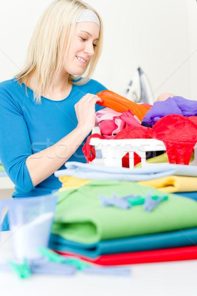 Foto stock: Lavanderia · mulher · roupa · casa · trabalhos · domésticos · primavera