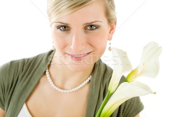 Portret romantische vrouw houden lelie bloem Stockfoto © CandyboxPhoto