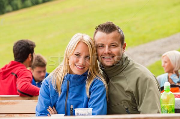 Glimlachend buitenshuis weekend paar Stockfoto © CandyboxPhoto