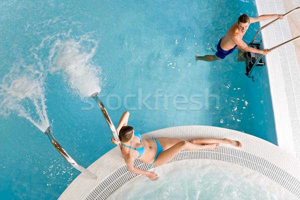 Topo ver casal relaxar piscina Foto stock © CandyboxPhoto