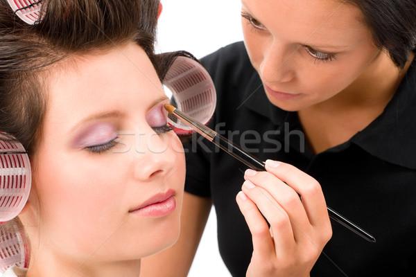 Femme mode modèle fard à paupières brosse Photo stock © CandyboxPhoto