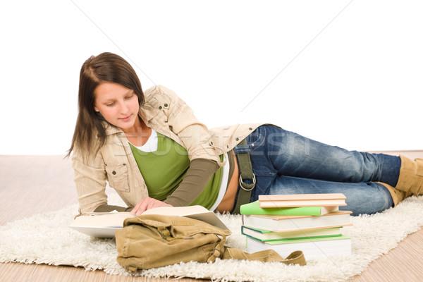 Student kobiet nastolatek przeczytać praca domowa książki Zdjęcia stock © CandyboxPhoto