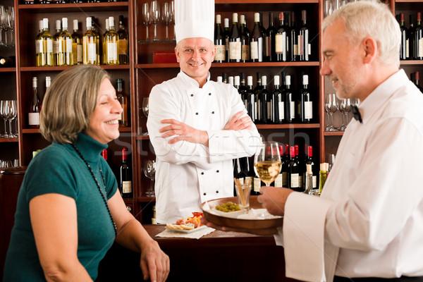 Restaurant gestionnaire personnel souriant femme Photo stock © CandyboxPhoto