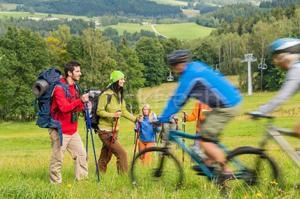 Turisták kirándulás lovaglás hegy biciklik nyár Stock fotó © CandyboxPhoto