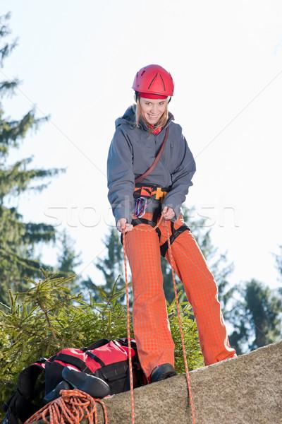 Aktywny kobieta wspinaczki liny młoda kobieta Zdjęcia stock © CandyboxPhoto