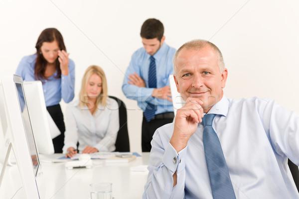 équipe commerciale supérieurs gestionnaire travaux collègues heureux Photo stock © CandyboxPhoto