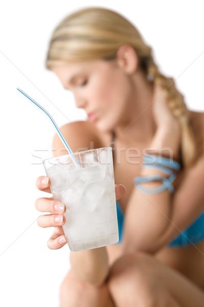 Praia feliz mulher biquíni bebida fria foco Foto stock © CandyboxPhoto