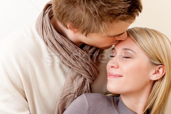 Paar liefde romantische kus saamhorigheid man Stockfoto © CandyboxPhoto