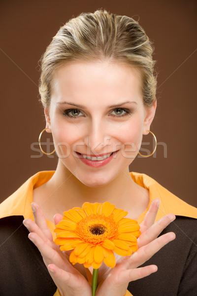 цветок романтические женщину Daisy портрет Сток-фото © CandyboxPhoto