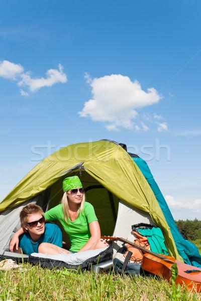 Camping couple à l'intérieur tente été campagne Photo stock © CandyboxPhoto