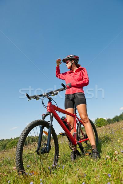 Genç kadın dağ bisikleti bahar doğa kadın Stok fotoğraf © CandyboxPhoto