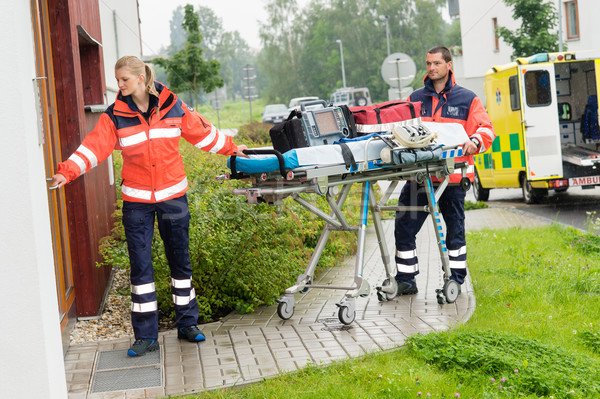 Ambulancia casa llamada emergencia Foto stock © CandyboxPhoto