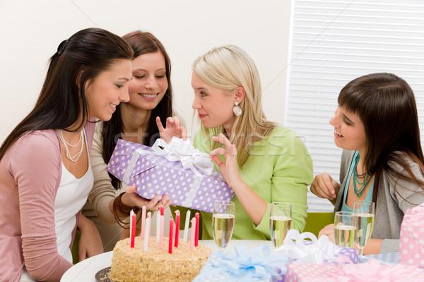 Photo stock: Fête · d'anniversaire · heureux · femme · présents · champagne · gâteau