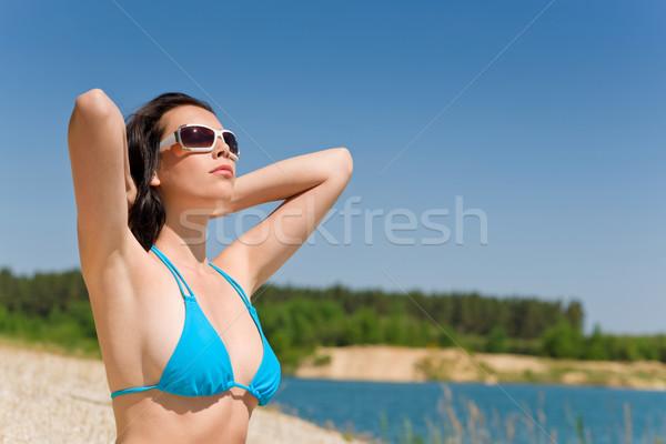 Verano playa mujer azul bikini sujetador Foto stock © CandyboxPhoto
