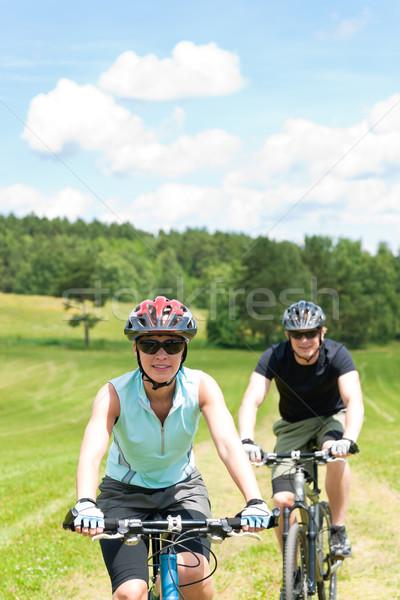 Stock fotó: Sport · pár · lovaglás · hegy · biciklik · boldog