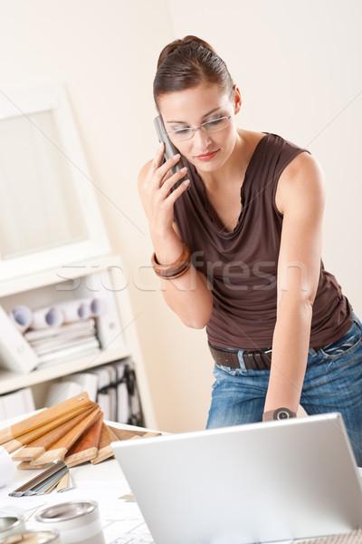 Női belsőépítész laptop telefon dolgozik iroda Stock fotó © CandyboxPhoto
