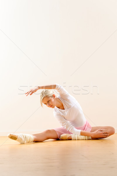 Ballet dancer in leaning posture exercise studio Stock photo © CandyboxPhoto