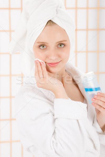 Akne genç kadın temizlemek cilt Stok fotoğraf © CandyboxPhoto